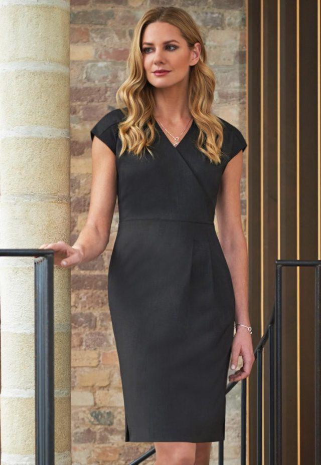šaty dámské černé módní