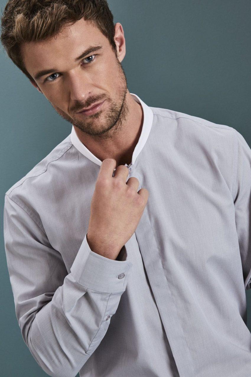 košile pánská s bílým stojáčkem