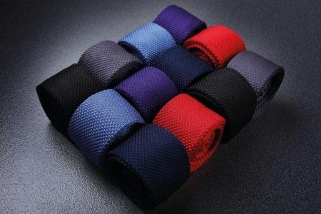 kravata tkaná černá, červená, šedá, modrá