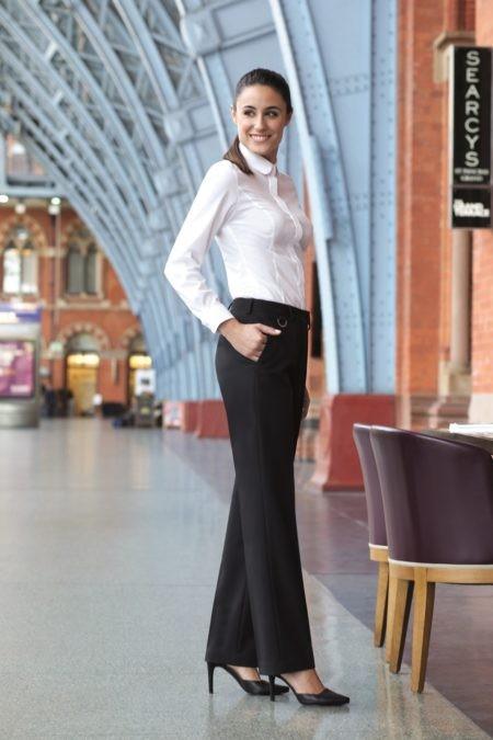 pracovní oděvy a uniformy pro hotely